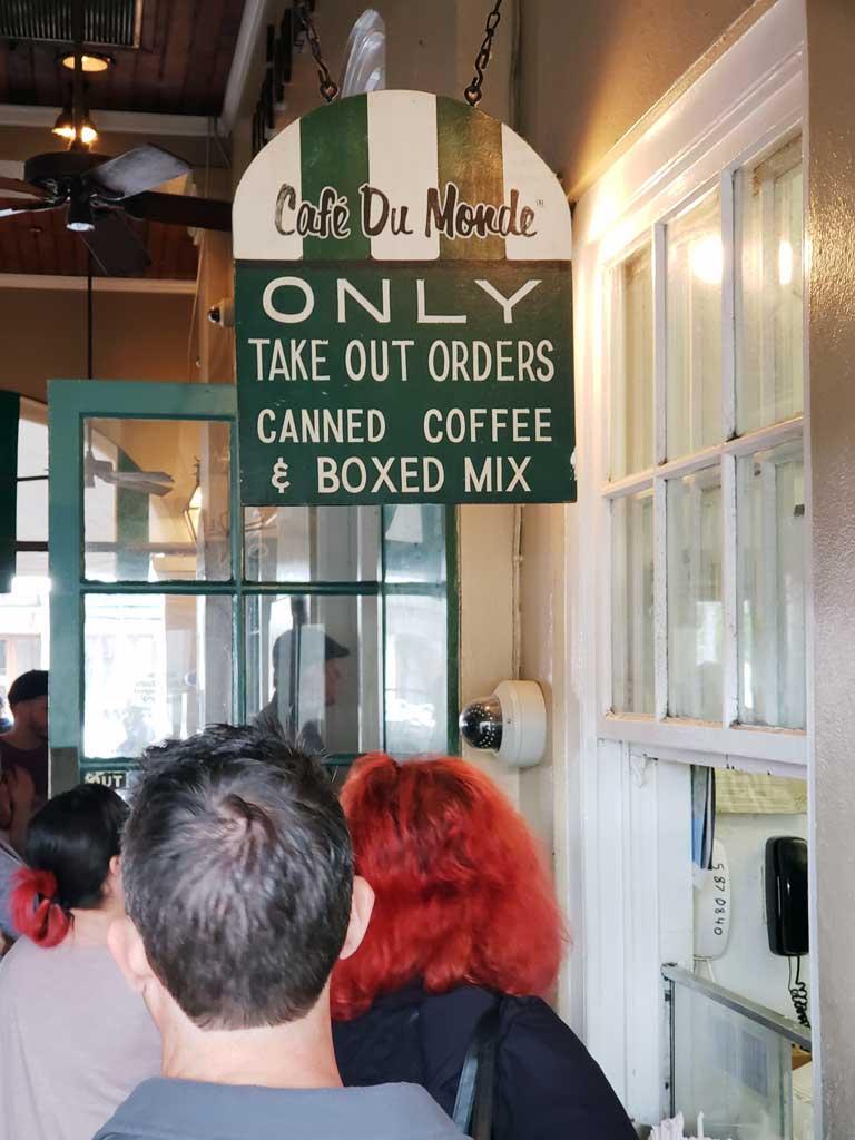 Take-out window at Cafe du Monde.